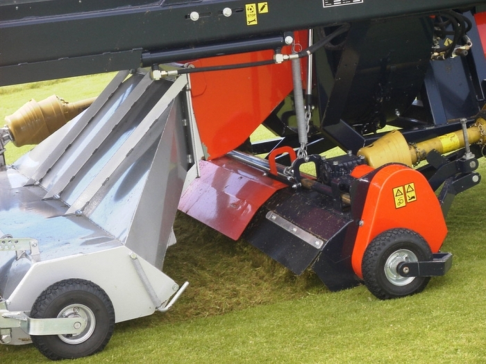 Sg 670 With Scarifier